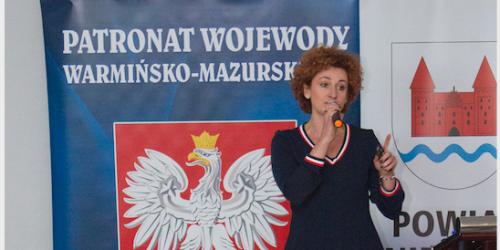 Paulina Mazur prezentacja o pokoleniach PUP Nidzica Młodzi wchodzą do gry